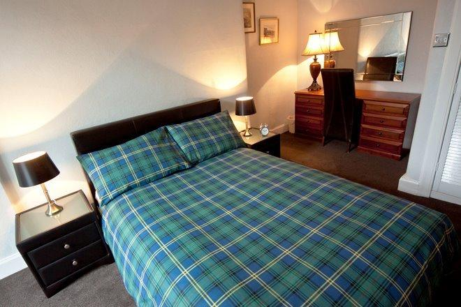 Cloudberry Apartment, holiday rental in Danderhall