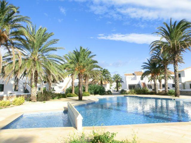 Apartamento nuevo en una selecta urbanización de C, holiday rental in Cala Morell
