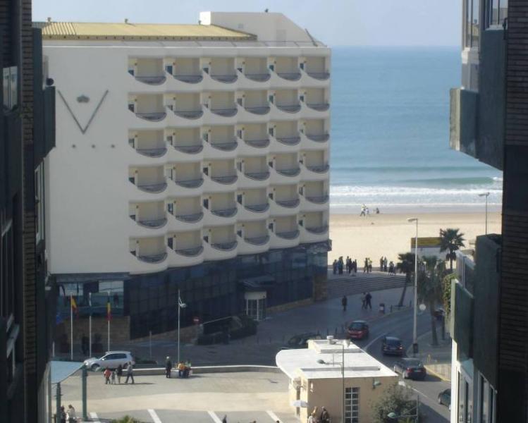 foto realizada desde la zona de ascensores del edificio. cerca de la playa