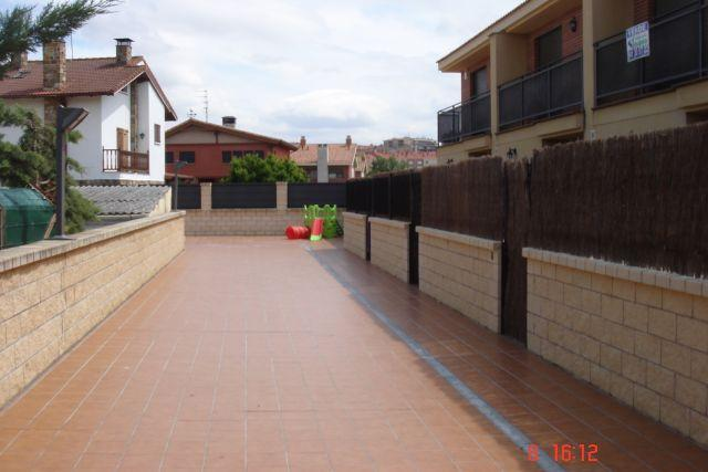 adosado en haro con wifi y tv con futbol,f1,motos, holiday rental in San Asensio