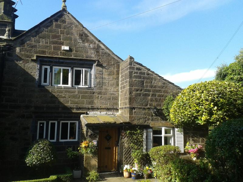Old Town Hall Cottage, Old Town, Hebden Bridge, West Yorkshire.  4* Gold Award, vacation rental in Heptonstall