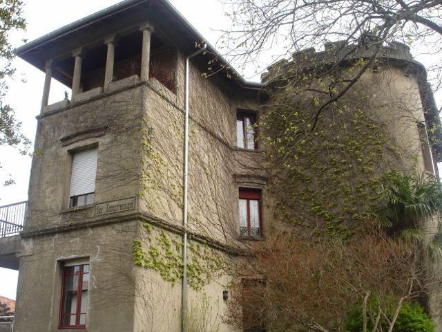 La Laurence. Casa con historia. El piso es el 2º, bajo la torre.