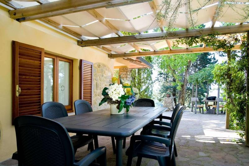 Nice patio with dining area