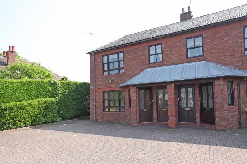 Serviced Apartment, Wilmslow, Ferienwohnung in Alderley Edge