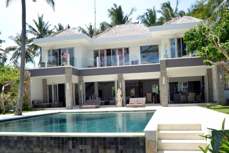 HOUSE SEA SIDE