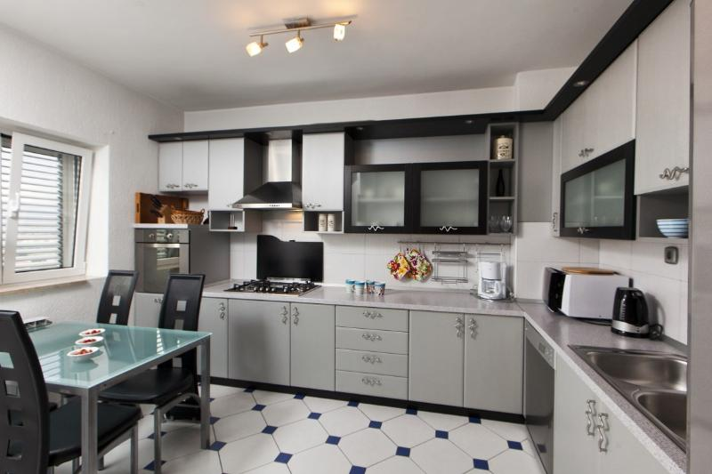 Resident unit 'Maria' (1st floor) Kitchen