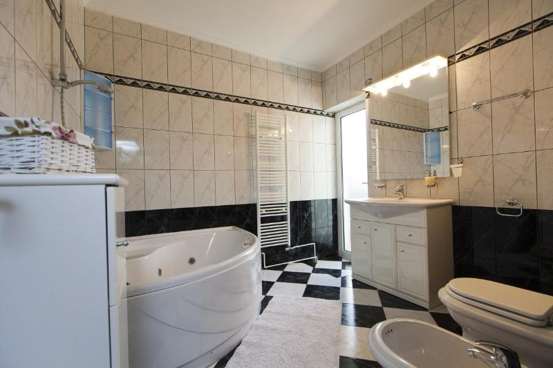 Resident unit 'Maria' (1st floor) Bathroom