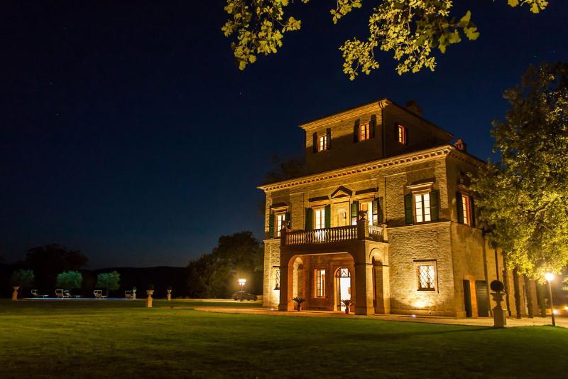 Villa Nena by night