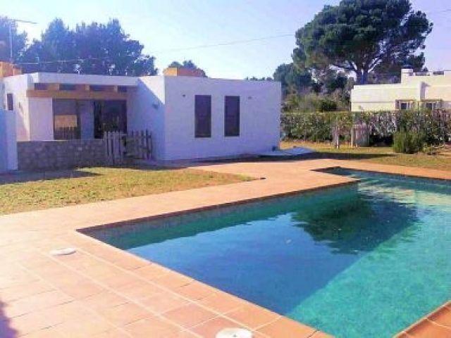 CAL33, Chalet independiente 5/6 pers., holiday rental in Terres de l'Ebre