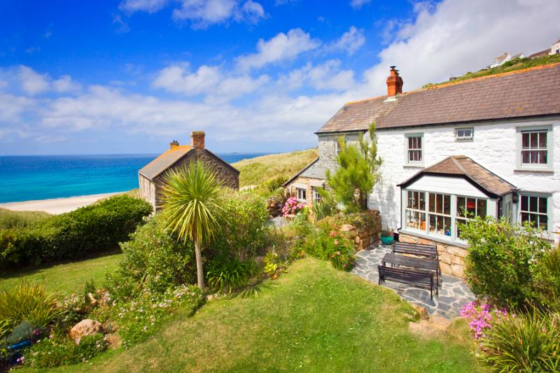 PETRA , traditional cornish cottage by the beach with lush garden and sea views, casa vacanza a Sennen