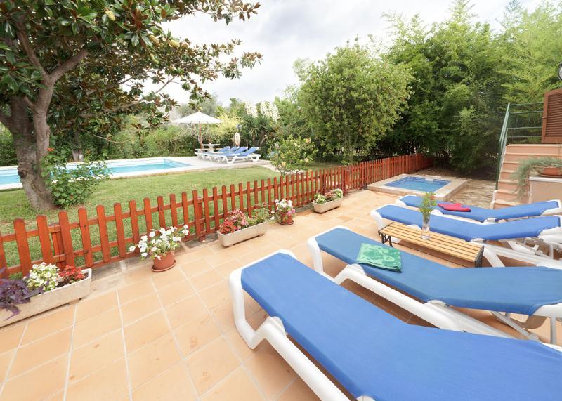piscine solarium e piscina