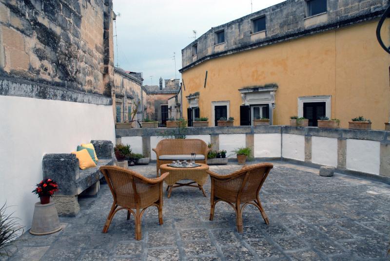 Palazzo Massa-Dattilo - LECCE, vacation rental in Lecce