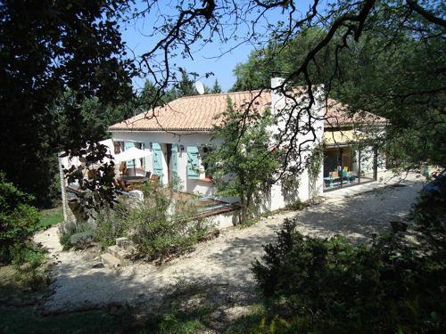 Villa des Roses near Uzes, holiday rental in Vallabrix