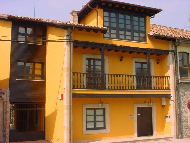 Aptos. Paseo de la Alameda, holiday rental in Villaviciosa