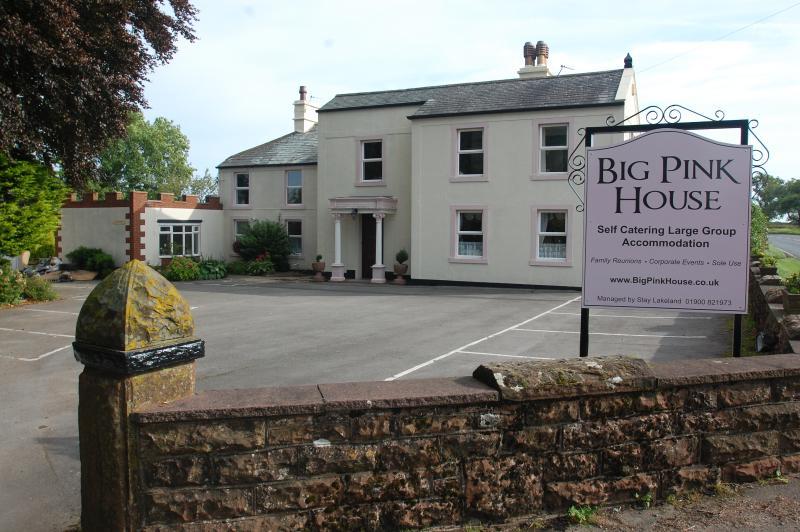 Big Pink House, Lake District Group Accommodation