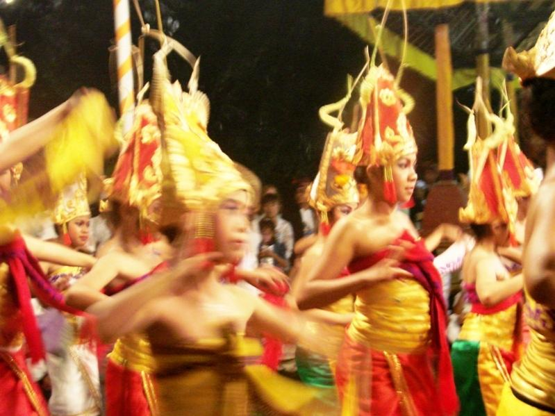 Balinese dancing girls