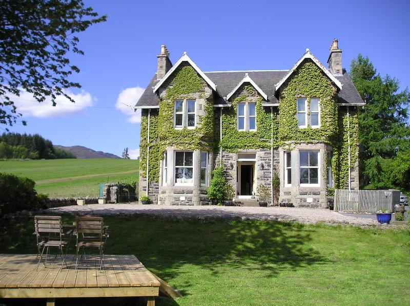 Kinnaird Country House and Private Hot Tub, vacation rental in Pitlochry