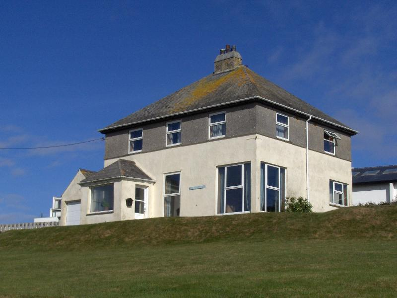 Neptune House, vacation rental in Trenance