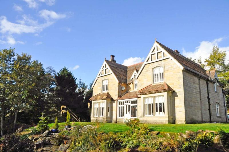 """Rothley Lodge """"A charming country retreat, in a unique, private and tranquil set, holiday rental in Stanton"""