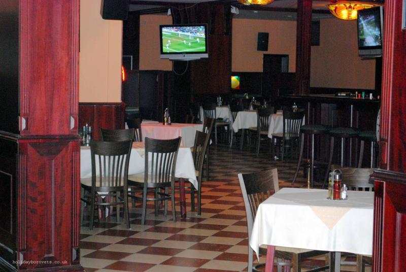 Irish pub in Flora Hotel