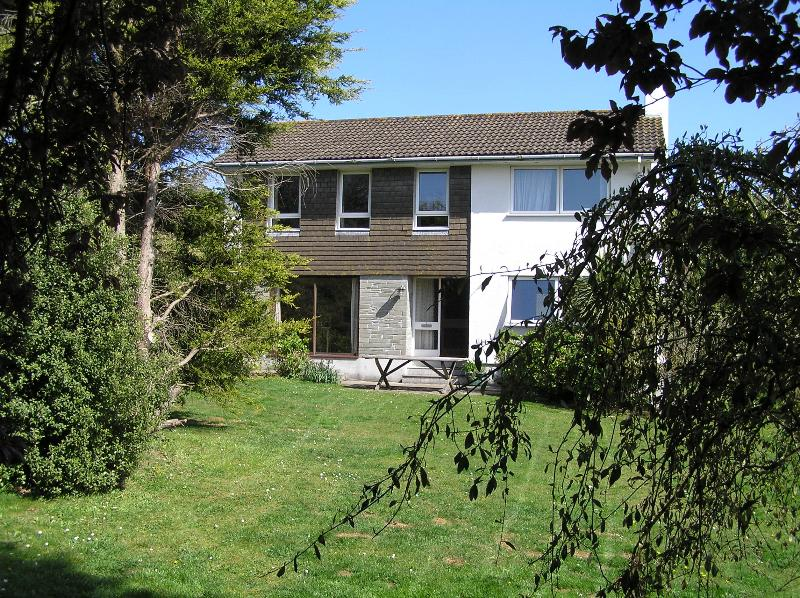 Sahara : Seaside Holiday House in Rock, Cornwall, holiday rental in Trebetherick