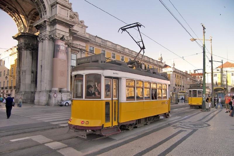 Tranvía la mejor opción para visitar Lisboa antíqua!