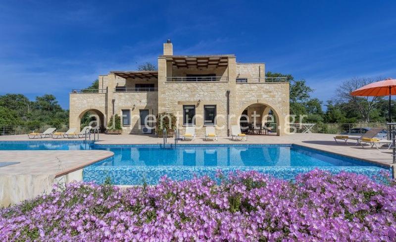 Villa and large pool