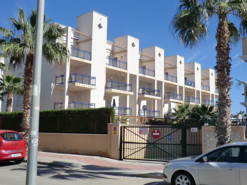 CABO ROIG 2 BED \ 2 BATH APT (G2), vacation rental in Orihuela Costa