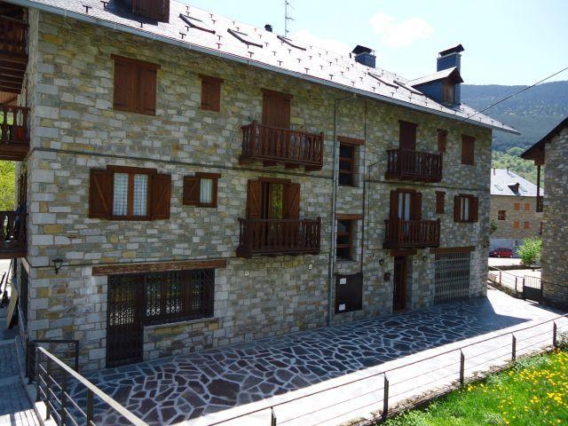 Apartamentos la Llucana en la Vall de Boí, location de vacances à La Torre de Cabdella