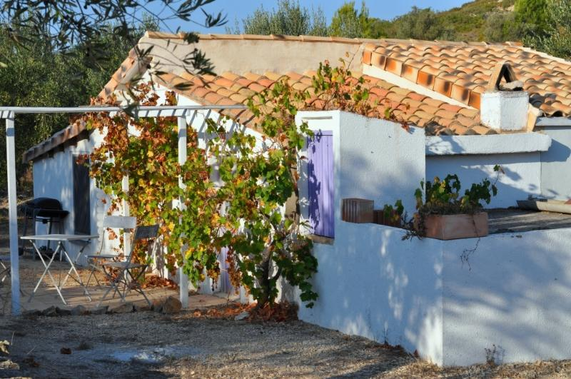 Casita Blanca, with stunning views on a valley – semesterbostad i Miravet