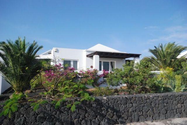 Villa con vistas al mar y a Fuerteventura. Ideal para familias.Turismo diferente, vacation rental in Playa Blanca