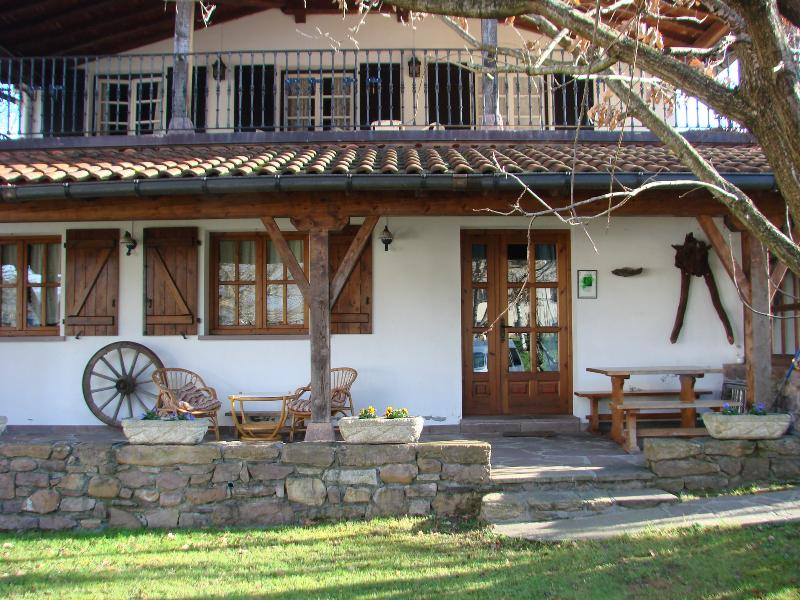 Casa Rural Gurutze - facade