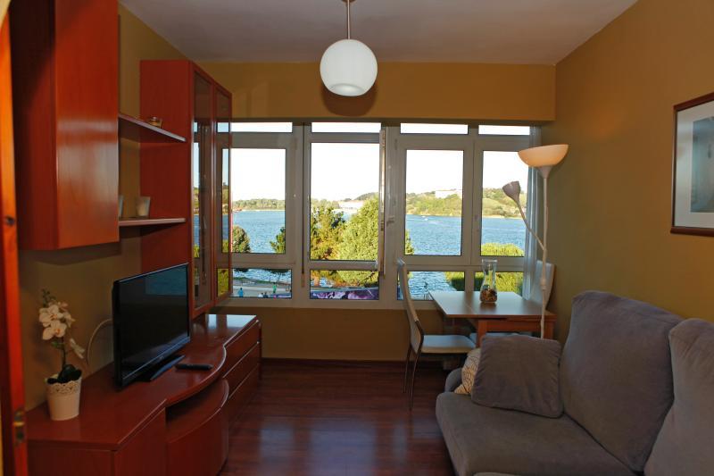 Wohnzimmer mit Blick auf das Meer