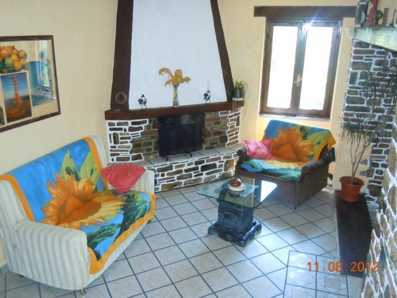 Mittelalterliches Ferienhaus, location de vacances à Caravonica