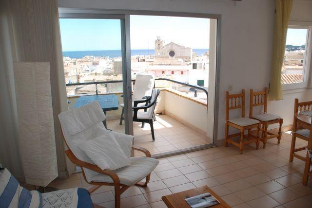 Apartamento de 2 habitaciones, holiday rental in L'Escala