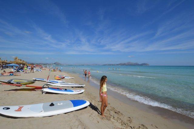 CAN PICAFORT BEACH. Sailing facilities