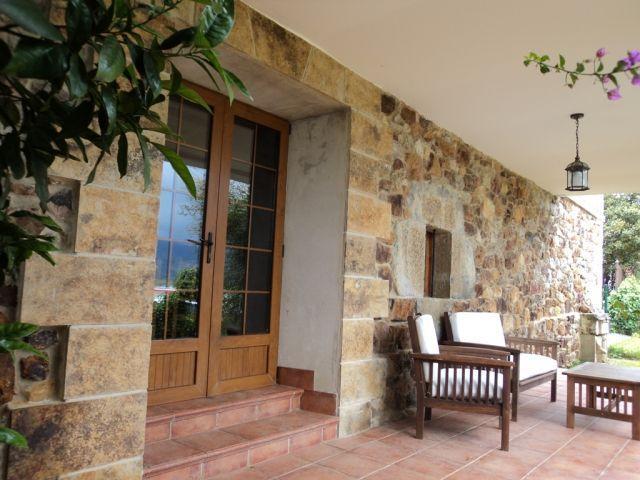 Casa rural a 9 km de Santander y 6 de Cabárceno: 'Casa Los Mozos', alquiler vacacional en Parbayón