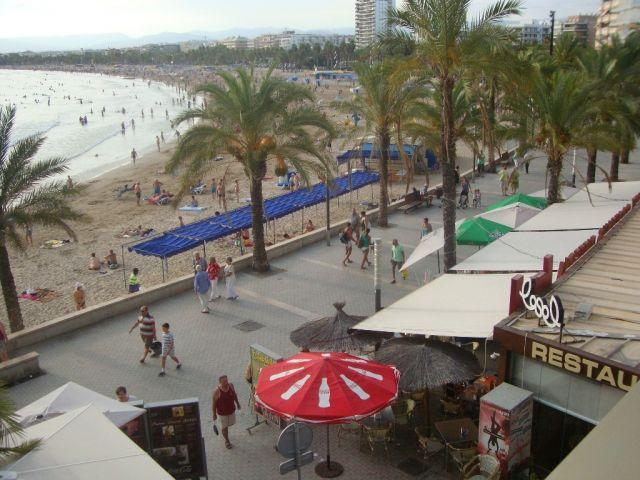 View of the beach from the terrace 2nd corner apartment next to the restaurant LA SAL (Barcino building)