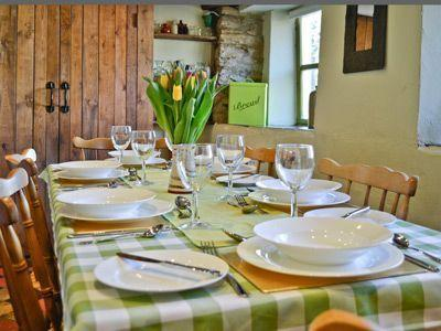 Dinning in the Farmhouse Kitchen