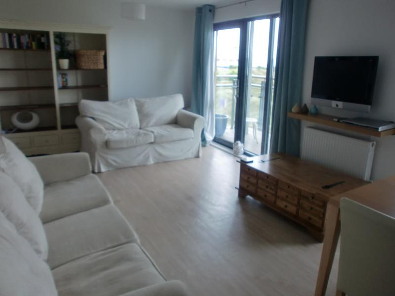 Sea-side Apartment, vacation rental in Swansea