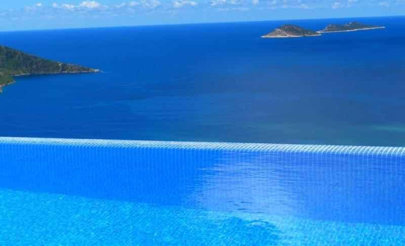 An electric heated infinity pool stunning views over kalkan bay!
