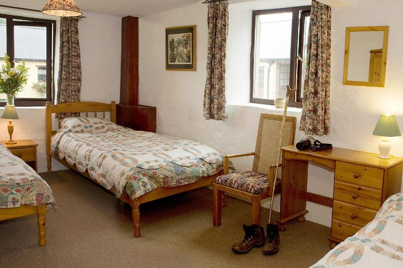 Bracken Cottage - The triple bedroom, with 3 single beds