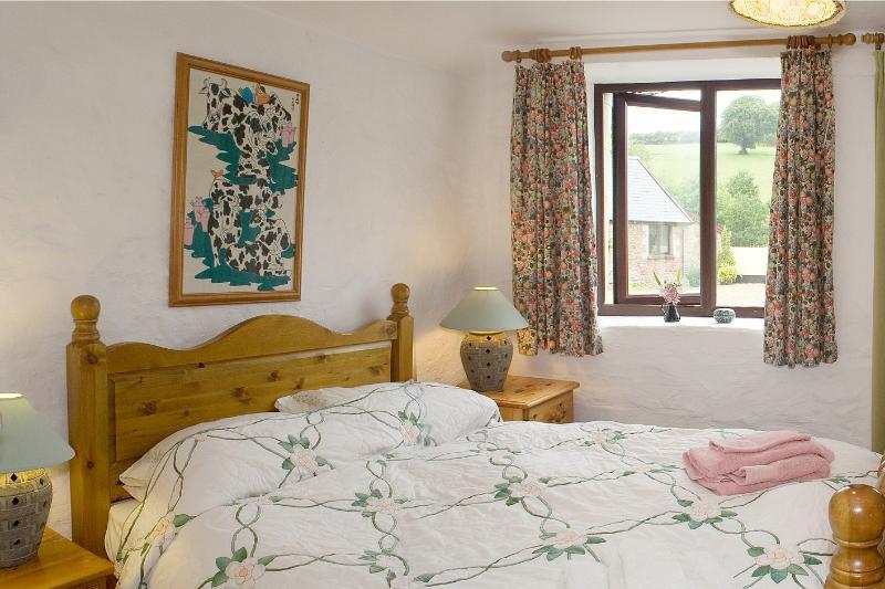 Bracken Cottage - The double bedroom