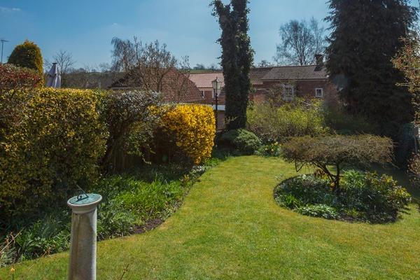 Dickman's Cottage Garden