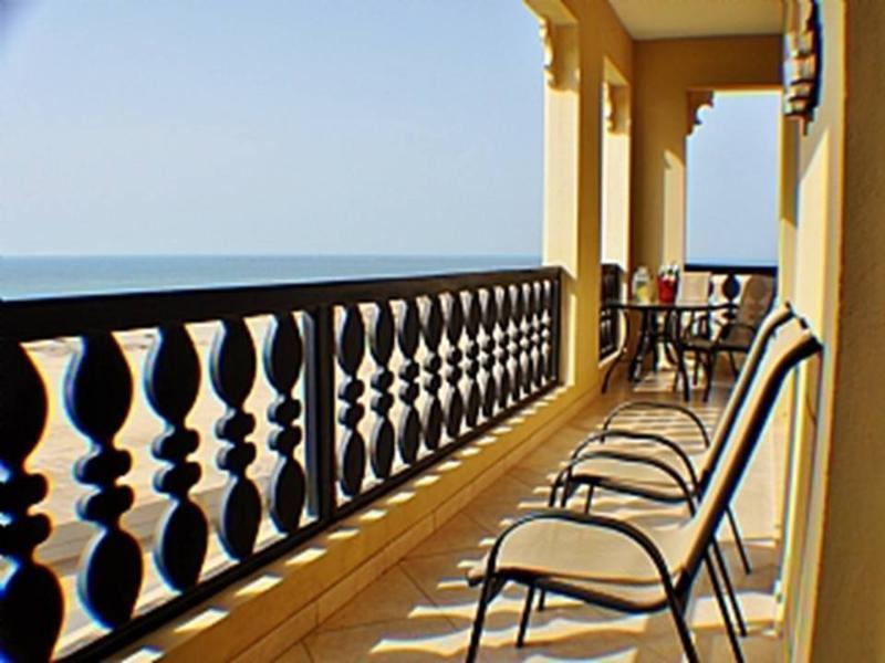 Luxury 5* Star Marina, 2 Bed 2 Bath, Corner Apt, holiday rental in Ras Al Khaimah