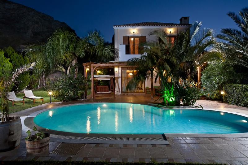 Night View Villa Aphrodite