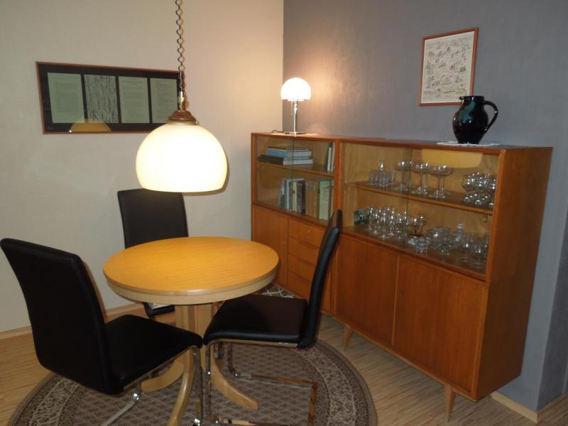 The dining rooms offers space for six guests