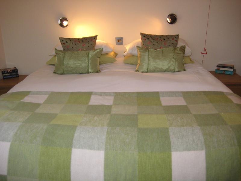Camas King size en ambos dormitorios se pueden dividir en 2 individuales