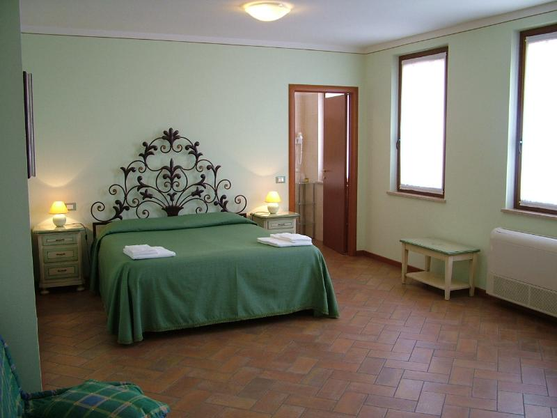 Agriturismo  BB Mambrotta Camera Torcolo, holiday rental in Zevio