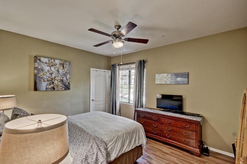 Your master bedroom has a brand new queen bed, flat screen TV, DVD/Bluray player and gorgeous views!